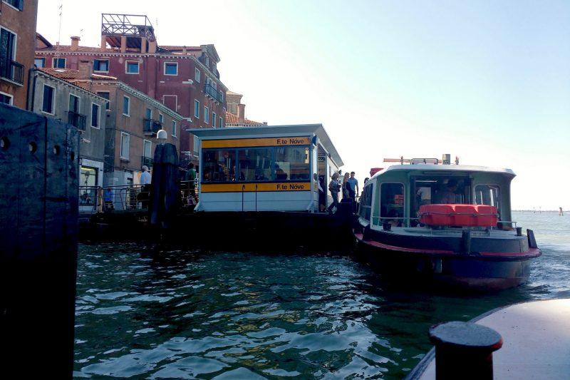 Promy to jedyny publiczny i przy tym niezawodny środek transportu w Wenecji