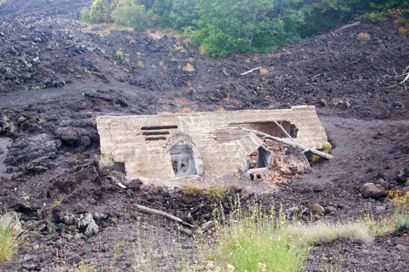To co się ostało z domu po erupcji wulkanu