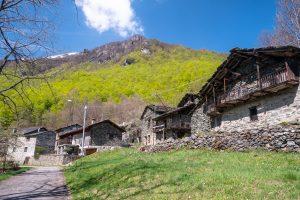 Tak wygląda większość domów i chatek w wyższych partiach Alp