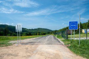 Piękna asfaltowa droga za Słowacką granicą